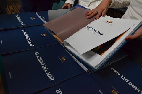 Impiden-distribuir-el-Libro-del-Mar-en-feria-del-libro-en-Chile