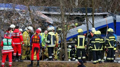 Choque-de-trenes-en-Alemania-deja-8-personas-muertas