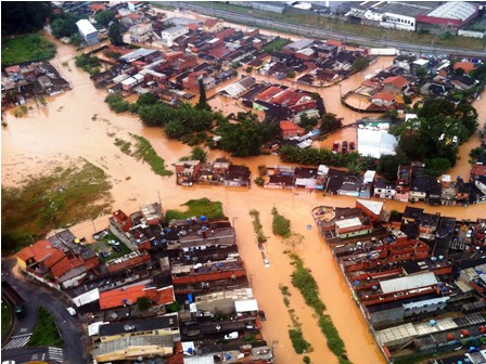 Lluvias-dejan-15-muertos-en-Brasil-y--14-en-Peru