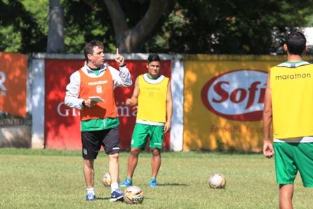 Hoyos-va-por-la-victoria-en-debut-ante-Bolivar
