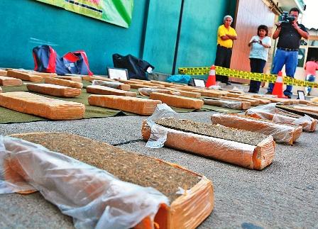 Hallan-42-paquetes-de-marihuana-en-bus