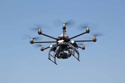 Propone-ley-para-regular-los-drones,-tras-incidente-en-la-casa-presidencial