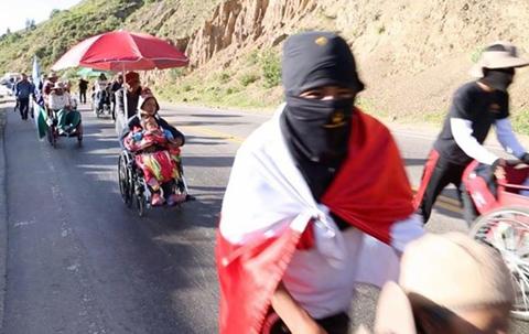 Caravana-de-personas-con-discapacidad-requiere-con-urgencia-medicamentos