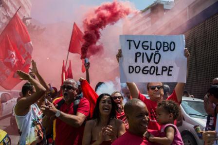 Protesta-contra-la-persecucion-a-Lula-Da-Silva