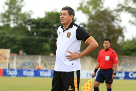 Mauricio-Soria-no-es-mas-el-entrenador