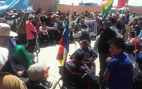 Anuncian-masificar-caravana-de-personas-con-discapacidad-y-piden-reunion-con-el-Presidente