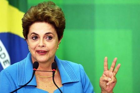 Rousseff-reta-al-Senado-y-promete-lucha