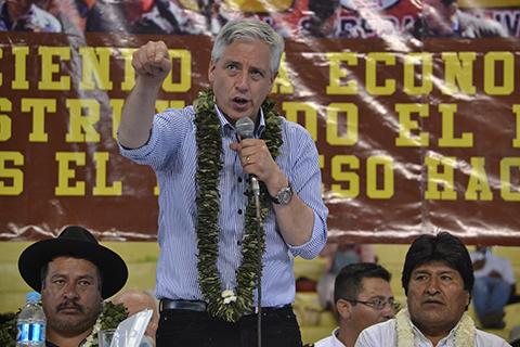 Vicepresidente-advierte-que-la-derecha-ataca-a-los-gobiernos-progresistas-para-retornar-al-poder