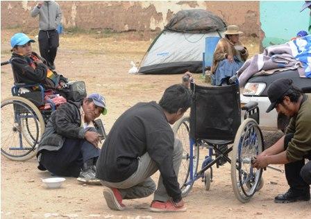 Calvario-de-personas-con-discapacidad--lleva-un-mes