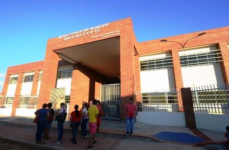 Entregan-nuevo-modulo-educativo-en-el-distrito-6-