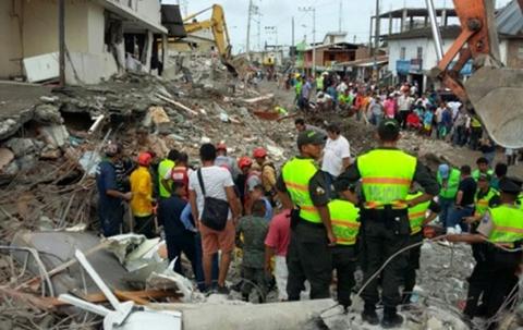 Evo-viajara-el-martes-a-Ecuador-llevando-ayuda-humanitaria