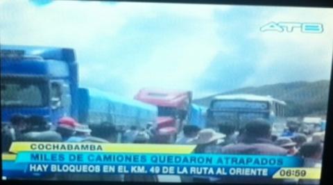 Bloqueo-en-carretera-Cochabamba---Santa-Cruz-por-conflicto-en-Colomi-deja-cuatro-heridos