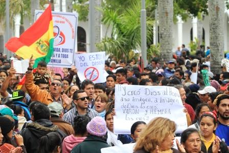 Crece-el-debate-por-la-nueva-Ley-de-Genero-y-LGBT