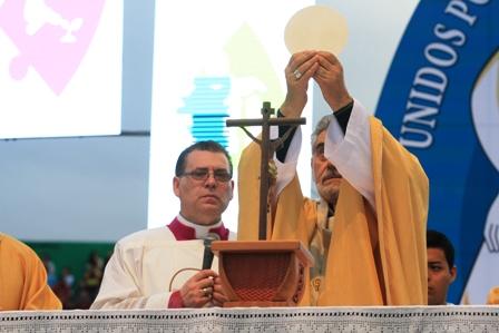 En-Corpus-Christi-el-monsenor-Gualberti-llama-a-la-unidad-