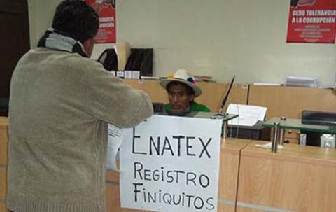 Extrabajadores-de-Enatex-dicen-que-se-implemento-el--segundo-21060--en-el-gobierno-de-Evo