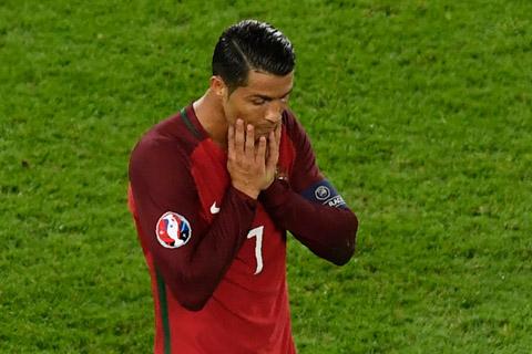 Los-palos-y-el-arquero-austriaco-amargan-la-jornada-de-Ronaldo