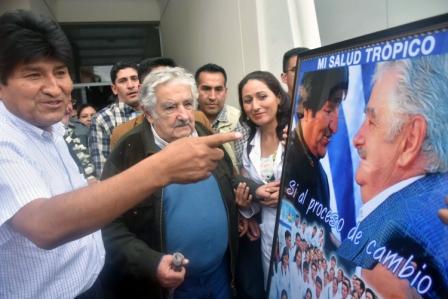 Jose-Mujica-elude-hablar-de-la-reeleccion--en-Bolivia