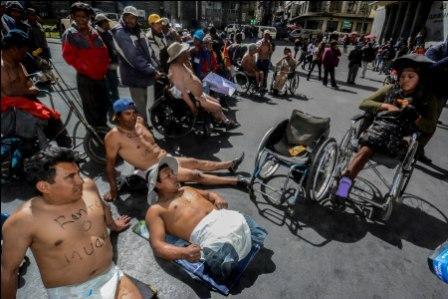 Discapacitados-protestan-en-panales-por-el-bono