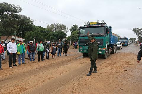 Transportistas-levantan-los-bloqueos,-tras-acuerdo-con-el-Gobierno