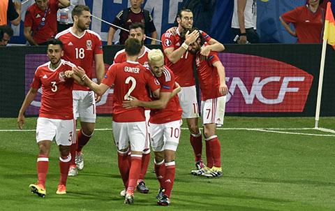 Bale-guia-a-Gales-a-los-octavos-de-final-