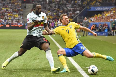 Belgica-jubila-a-Ibrahimovic-en-la-seleccion-sueca-y-clasifica-a-octavos