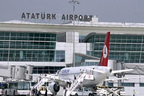 Al-menos-10-muertos-en-atentado-suicida-en-aeropuerto-de-Estambul