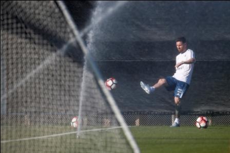 Sin-Messi-Argentina-enfrenta-a-Chile-