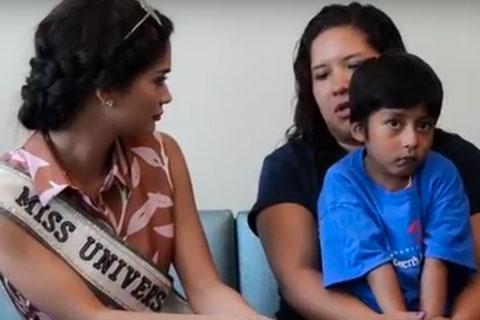 Miss-Universo-visita-ninos-bolivianos-operados-de-corazon-en-hospital-del-Caribe