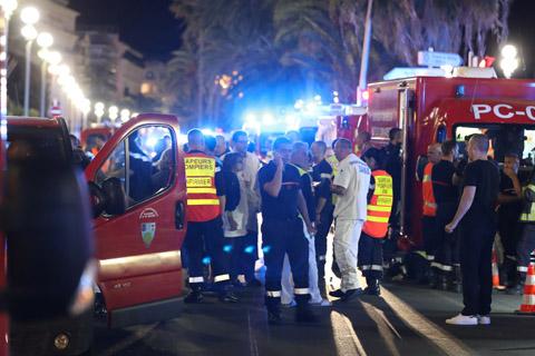 El-EI-reivindica-la-matanza-de-Niza,-un--nuevo-tipo--de-atentado-en-Francia