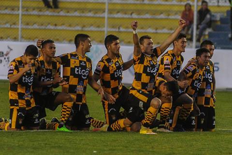 The-Strongest-vence-en-los-penales-a-Bolivar-y-pasa-a-la-siguiente-fase