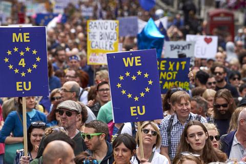 Los-britanicos-contrarios-al-Brexit-toman-las-calles