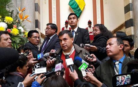 Quintana-califica-de--exabrupto--que-Insulza-acuse-a-Choquehuanca-de-tener-aspiracion-presidencial
