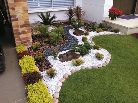 Plantas-ideales-para-un-jardin-pequeno-