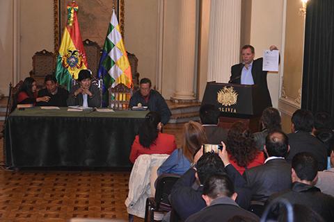 Morales-buscara-solucionar-con-Bachelet-problema-del-transporte