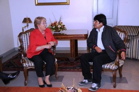 Evo-ofrece-dialogo-a-Chile-sobre-problema-en-puertos