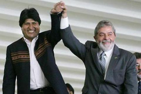 Morales:--Hermano-Lula-no-estas-solo,-el-pueblo-esta-contigo-frente-al-imperio-