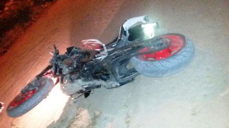 Joven-muere-tras-caer-de-una-motocicleta