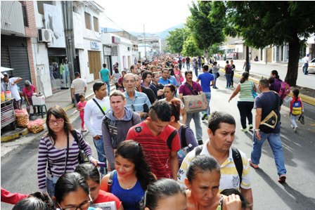 Mas-de-100.000-venezolanos-ingresan-a-Colombia-