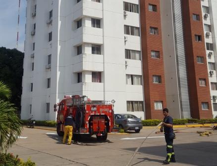 Fuego-en-un-ascensor-alerto-a-los-vivientes