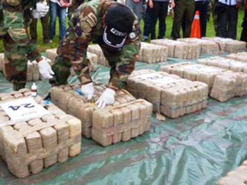 Felcn-incauto-114-tn-de-droga-y-erradico-4.200-hectareas-de-coca-en-ocho-meses