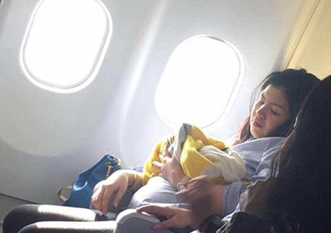 Bebe-nace-a-bordo-de-avion-en-pleno-vuelo