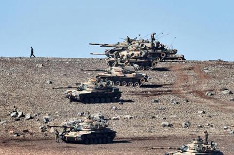 La-artilleria-turca-bombardea-posiciones-del-Estado-Islamico