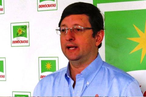 Senador-Ortiz-solicita-a-Bolivia-Tv-el-mismo-tiempo-que-uso-Quintana-para-acusarlo