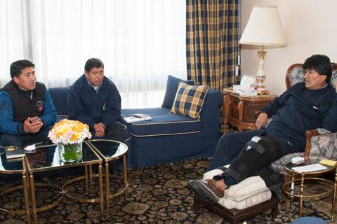 Medicos-recomiendan-a-Morales-reposo-de-tres-dias-por-inflamacion-de-su-rodilla
