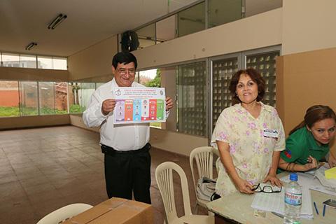 Saul-Rosas-gana-en-docentes,-segun-resultados-extraoficiales