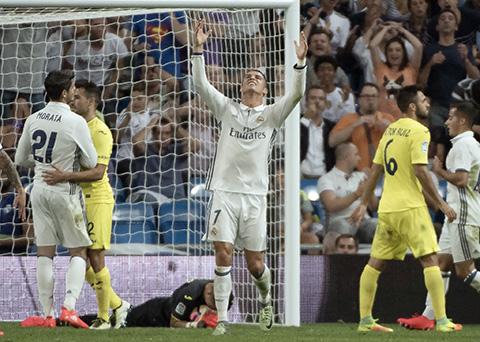 El-Real-Madrid-empata-y-Cristiano-se-va-descontento-al-ser-sustituido