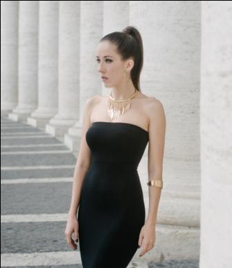 Andrea,-una--joyita--en-Roma