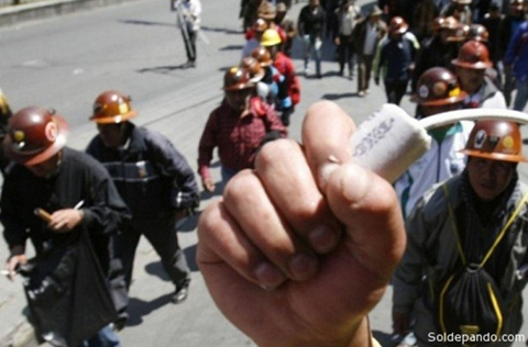 Ampliado-de-la-COB-exigira-abrogacion-del-decreto-que-prohibe-uso-de-dinamita-en-protestas