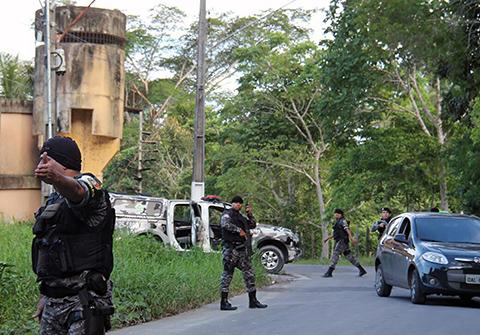 Policia-controla-motin-que-sumo-10-muertos-a-la-guerra-carcelaria-en-Brasil