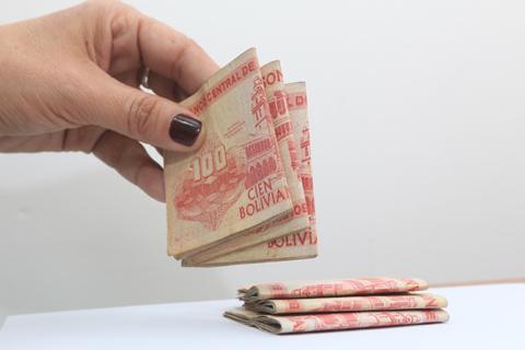 Bolivia-marca-record-en-remesas-al-recibir-$us-1.093-millones--